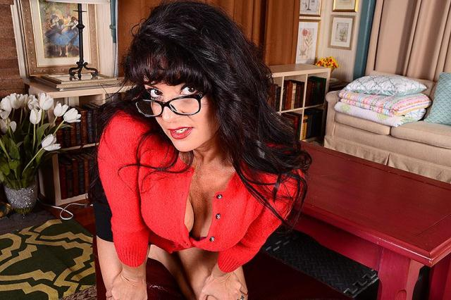 Mature.nl, USA-Mature - Gabrielle M. (44) - Hot American housewife fingering herself [SD, 406p]