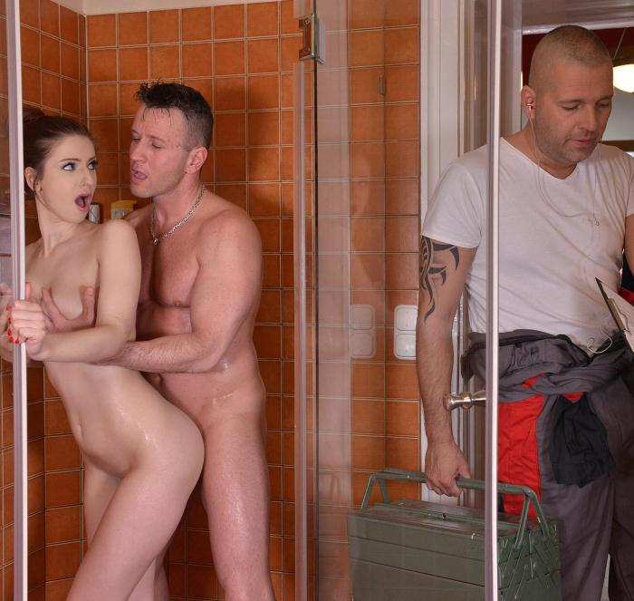 Hands Hardcore - Stella Cox - Fixing Pipes - Hardcore Double Penetration In The Bathroom [HD 720p]