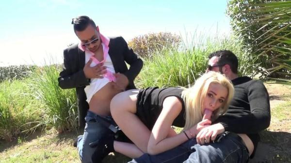 La premiere sodomie de Cindy ! (SD, 480p) [Blonde, Amateur, Blonde, Hardcore, Group sex, Anal, Teen]