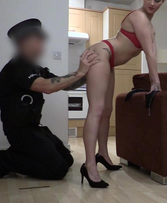 FakeCop: Pixie - Office Slut Fucked by Policeman  [HD 720p]  (Public)