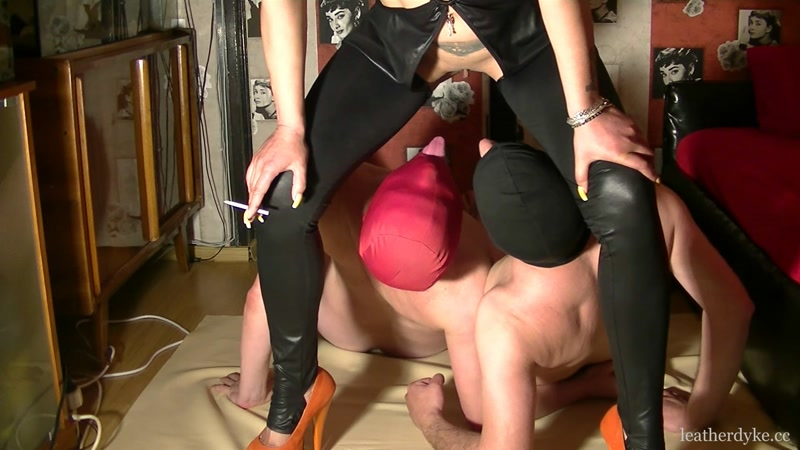 Bisexual piss scat party with bizarre godess - Femdom - SCAT [FullHD]