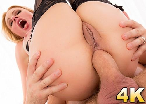 Briana Banks, Former Contract Girl Cums Out Of Retirement For An Ass Full Of Manuel! [SD] (287 MB)