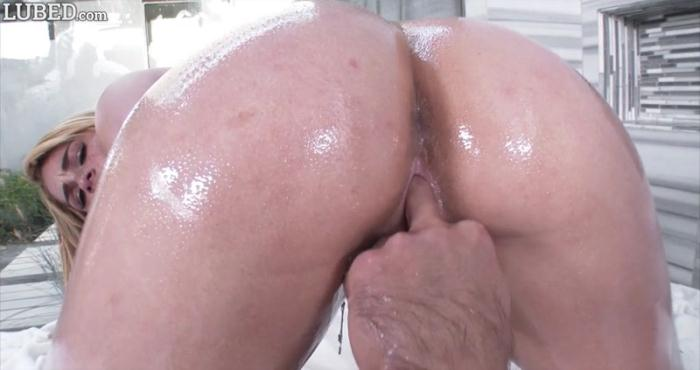 Skya Novea - Wet Shower Sex (Teen) [SD, 450p]