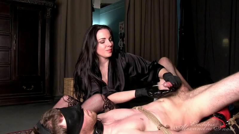 GoddessSnow.com: Snow - Eat It, Slave [HD] (165 MB)