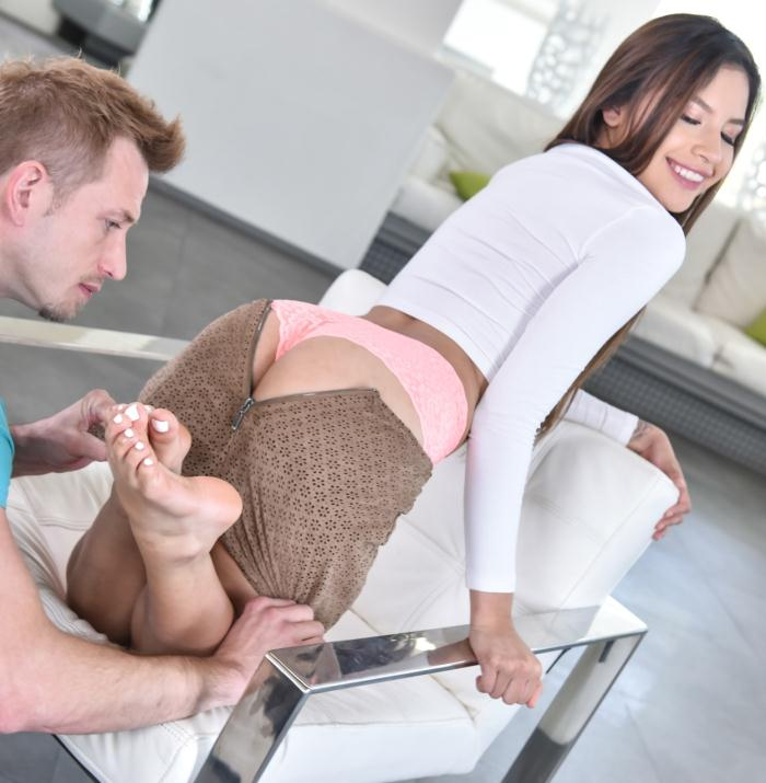 Footsie Porn - Zaya Cassidy - Shes Been Thinking About You  [HD 720p]