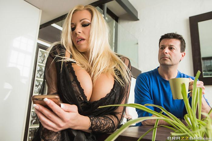 Brazzers - Michelle Thorne [Fucking The Invisible Man] (HD 720p)