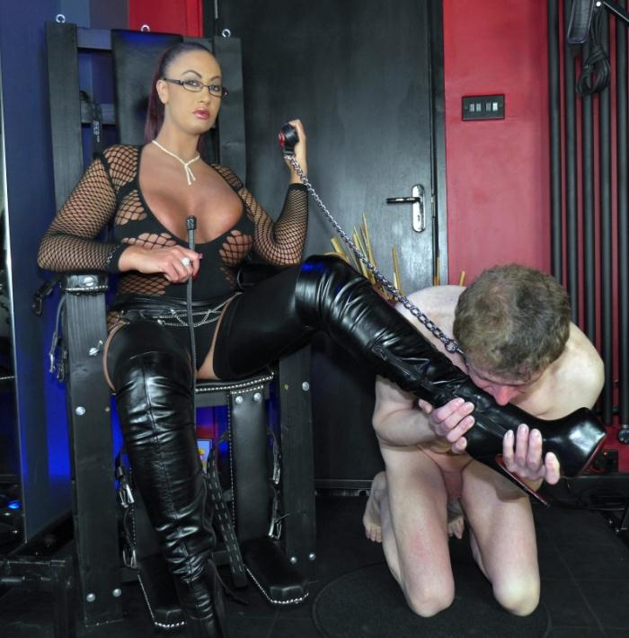 TheEnglishMansion: Mistress Pandora - Queening Session  [HD 720p]  (Femdom)