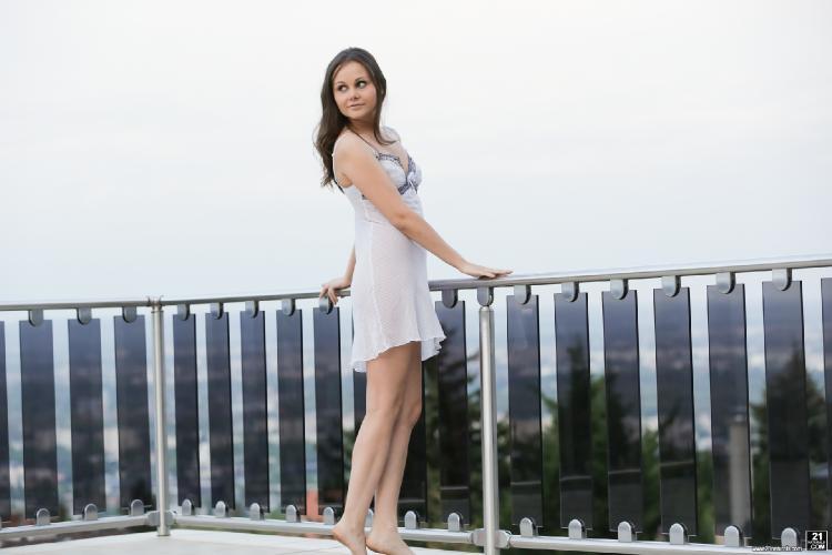 21 Naturals - Liza Shay - Liza In Town [2016 HD]