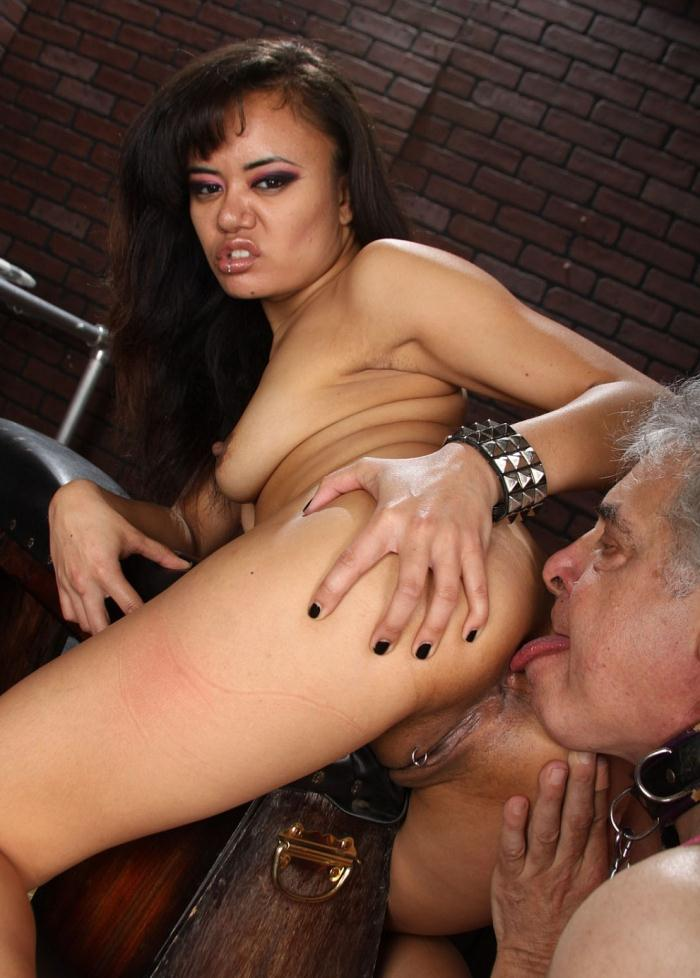 Meanbitches - Annie Cruz [Annie Cruz and David] (FullHD 1080)