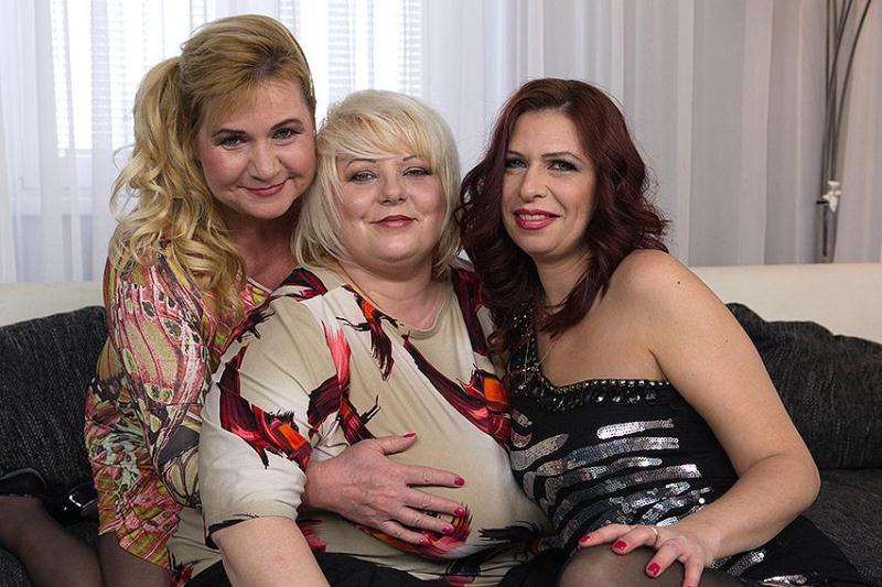 Mature.nl - Halina K. (40), Kirsi (45), Charlena (40) - Four fuck as one (29-04-2016) [SD]
