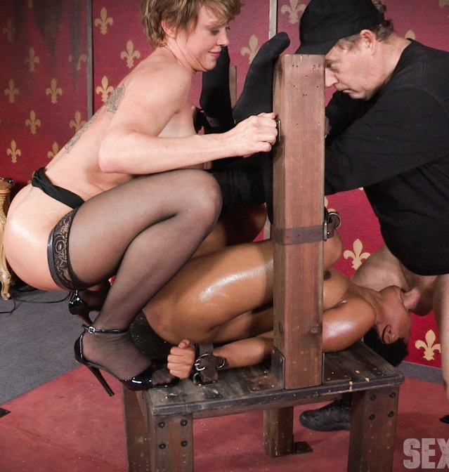SexuallyBroken: Kahlista Stonem - Tiny Kahlista Stonem services a dominate couple. Brutal deepthroating, squirting orgasms!   [HD 720p]  (BDSM)