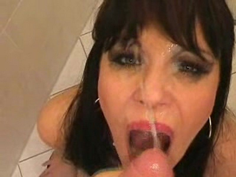 My wife is a whore toilet - Aische