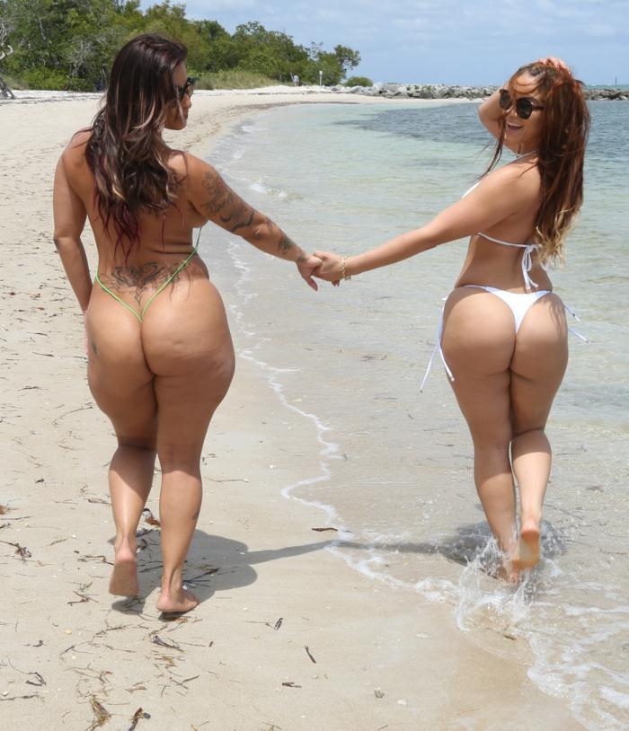 BangBros: Spicy J, Miss Raquel - Asstastic Day At the Beach  [HD 720p]  (Threesome)