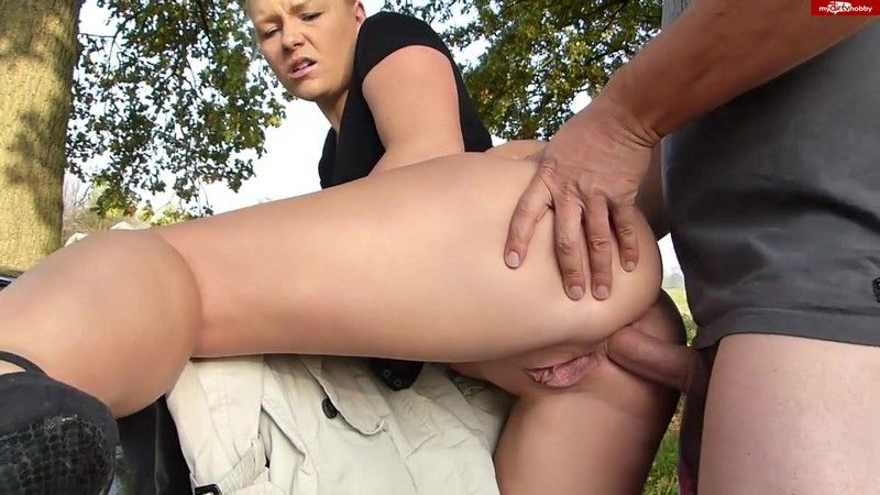 Fucking asshole in the outdoors - Bibi (HD 720p)
