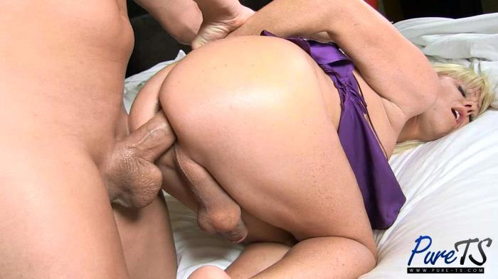 Pure-TS - Joanna Jet [mature blonde Joanna Jet wants your cock!] (FullHD 1080p)