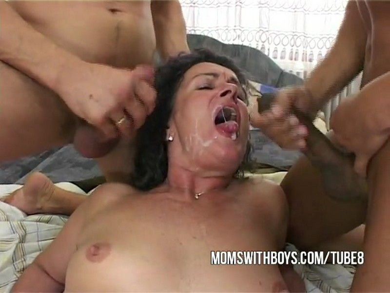 Mature Mom Agneta woke up and seduced two young guys - Agneta