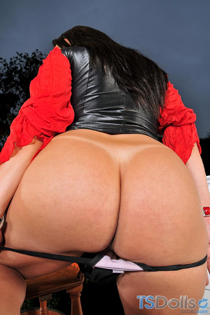 TSDolls: Leticia Brunni - Huge Transsexual Ass [SD 404p]