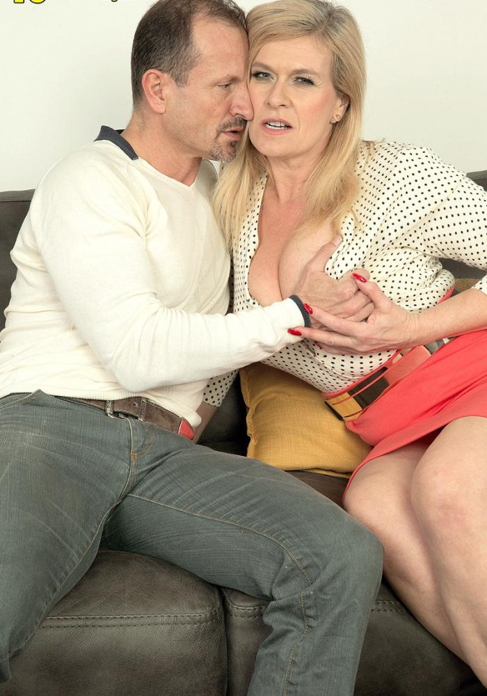 Pornmegaload: Marina Rene - Jingle-jangle, Marinas getting fucked  [HD 720p]  (MILF)