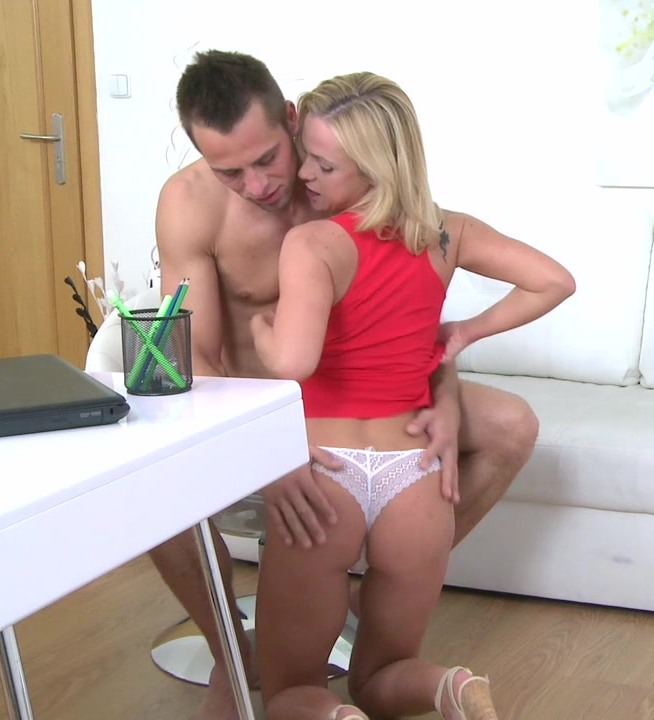FemaleAgent: Cristal Caitlin aka Vinna Reed, Denny - Horny New Agent Loves Studs Cock  [HD 720p]  (Casting)