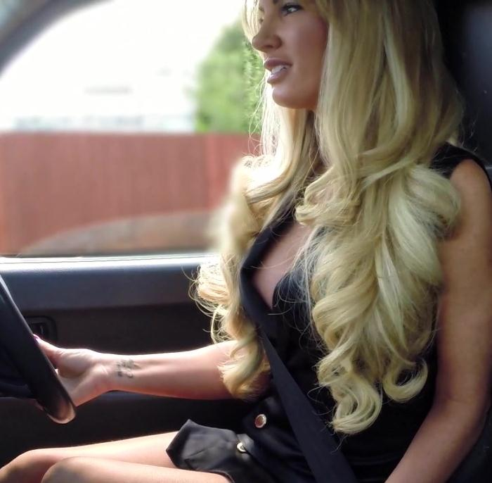 Female in Taxi - Elicia - Driver Takes A Facial For A Fare  [FullHD 1080p]