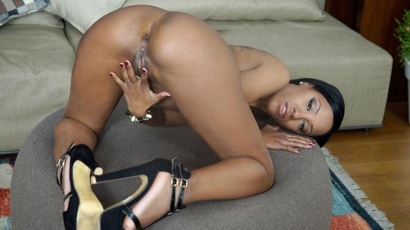 Bubble Butt Ebony Noemilk Takes Two Huge Cocks [Private / SD]