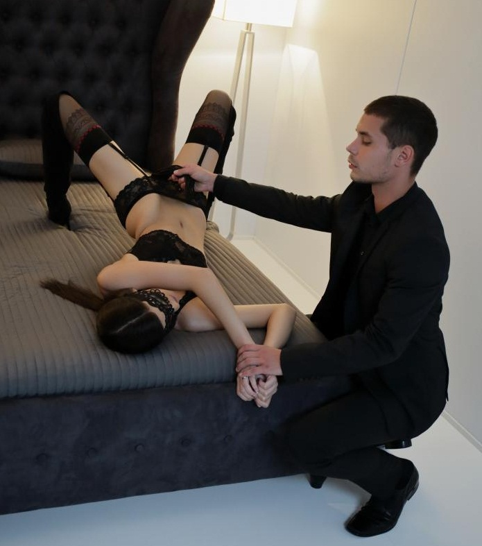 PornDoePremium - Candice Luca [Tie me down] (HD 720p)