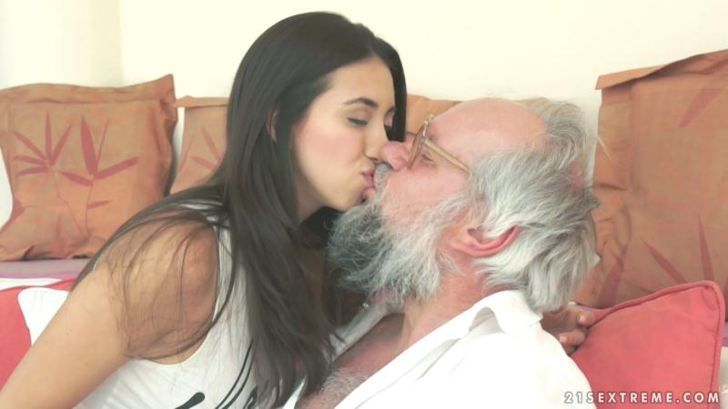 Grandpas Fuck Teens - Frida Sante - Riding Grandpa [2016 FullHD]