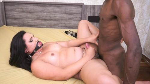 Achylla Santos - Mouth Fuck and Black Cock Inserted Deep [HD, 720p] [TSRaw.com] - Shemale