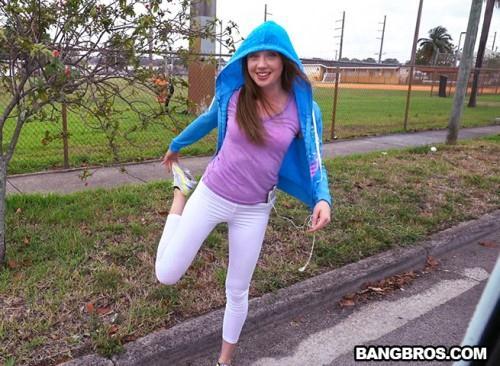 B4ngBus.com [Stretching Elena] SD, 480p