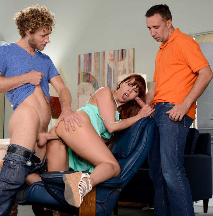Brazzers: Amber Chase - Almost Perfect Girlfriend  [HD 480p]  (Double Penetration)