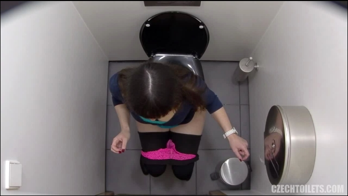Czechtoilets, Czechav: Amateur - Czech Toilets - 124  [HD 720]  (Pissing)