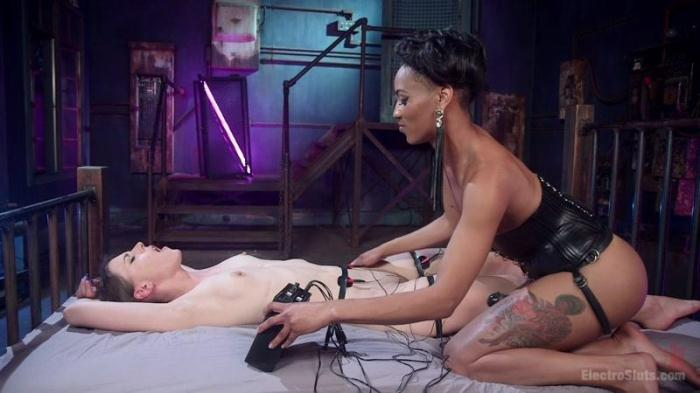 3l3ctr0Sluts.com - Katharine Cane And Nikki Darling (BDSM) [HD, 720p]