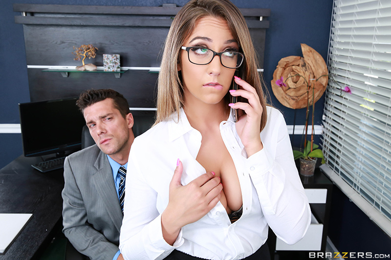 Ramon, Layla London - The Inside Her  (2016/Brazzers/HD/720p)