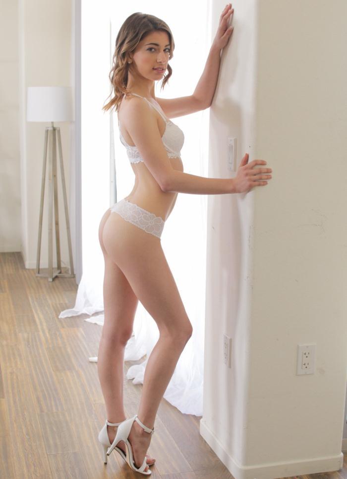 CastingCouch-X: Kristen Scott - Casting Kristen Scott  [SD 480p] (710 MiB)