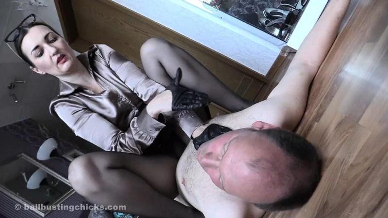 Horny Mistress Ballbusting her Slave [BallbustingChicks / FullHD]
