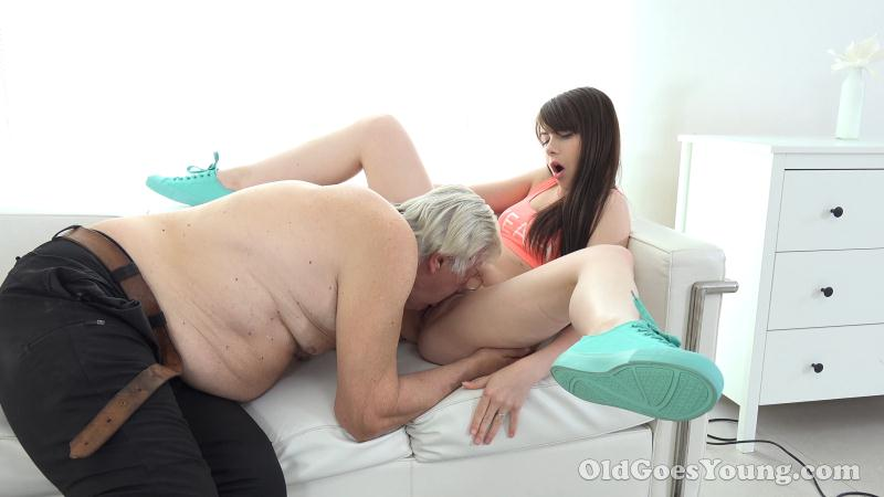 OldGoesYoung - Luna Rival - Teen girl Luna Rival gets fucked by old geezer [SD 480p]