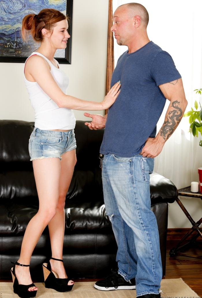 Fantasymassage: Alaina Dawson - Dick Delivery  [HD 720p] (865 MiB)