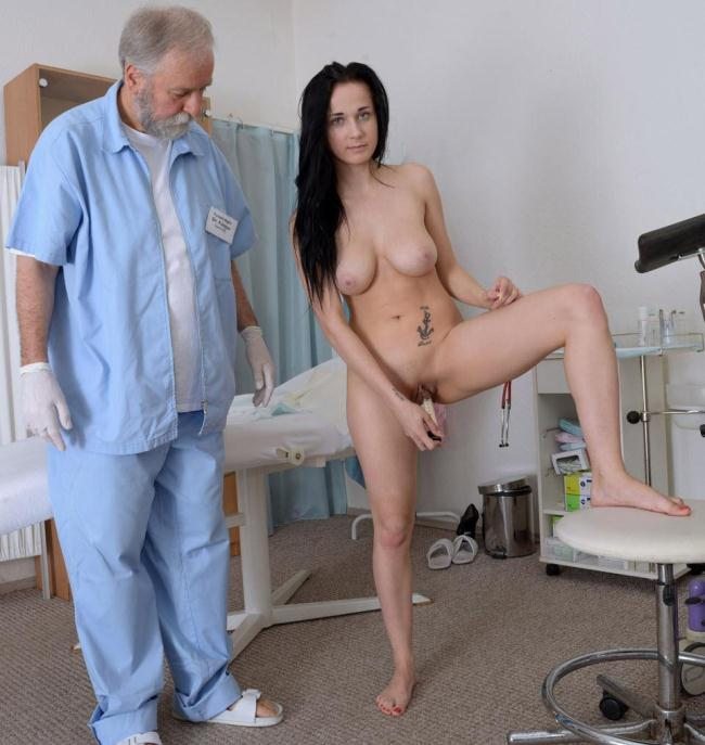 Nicole Love - Vaginal Enema HD 720p