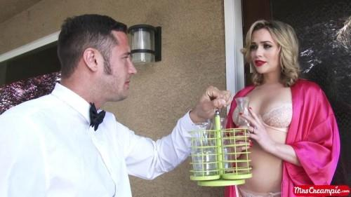 MrsCr34mp13.com: Mia Malkova - Heavy Cream Delivery [SD] (607 MB)