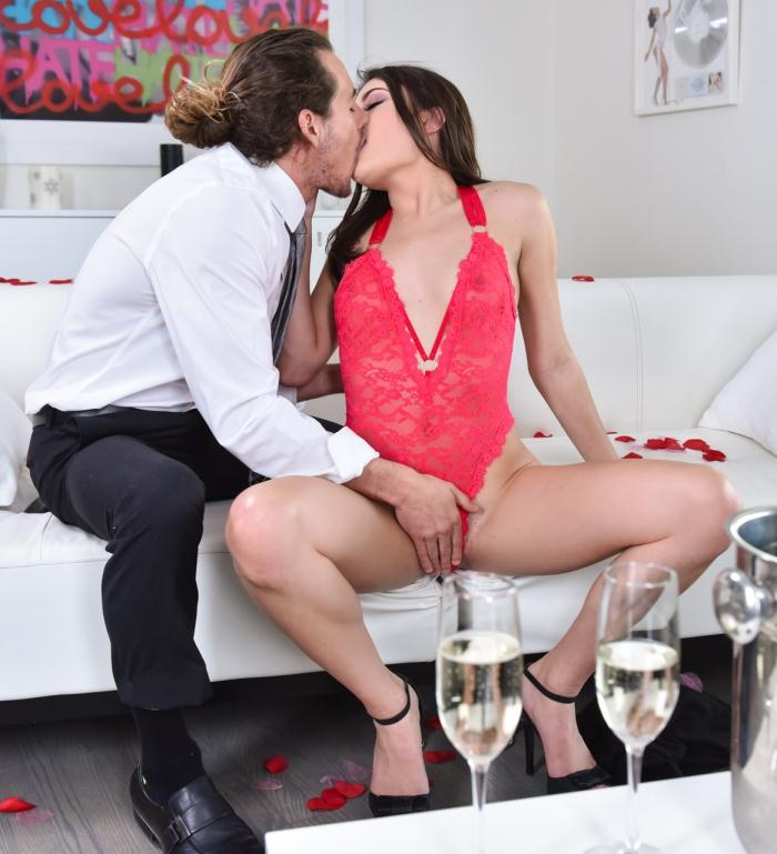 Club Porn - Adria Rae - Red-Hot Romancing  [FullHD 1080p]