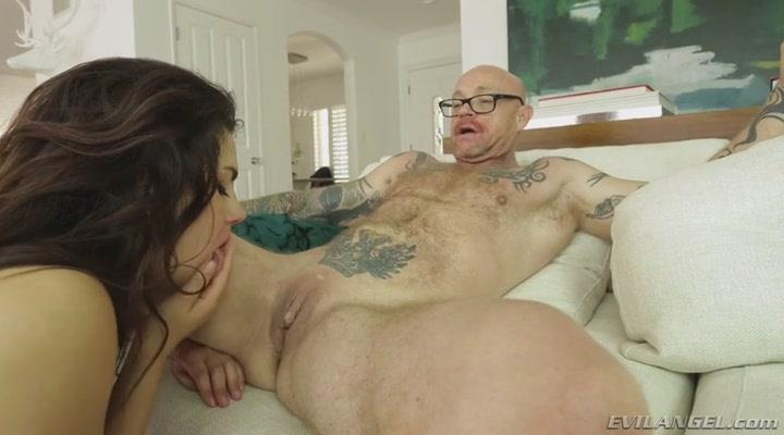 Valentina Nappi, Buck Angel - Girl Boy! Transsexual! [EvilAngel / SD]