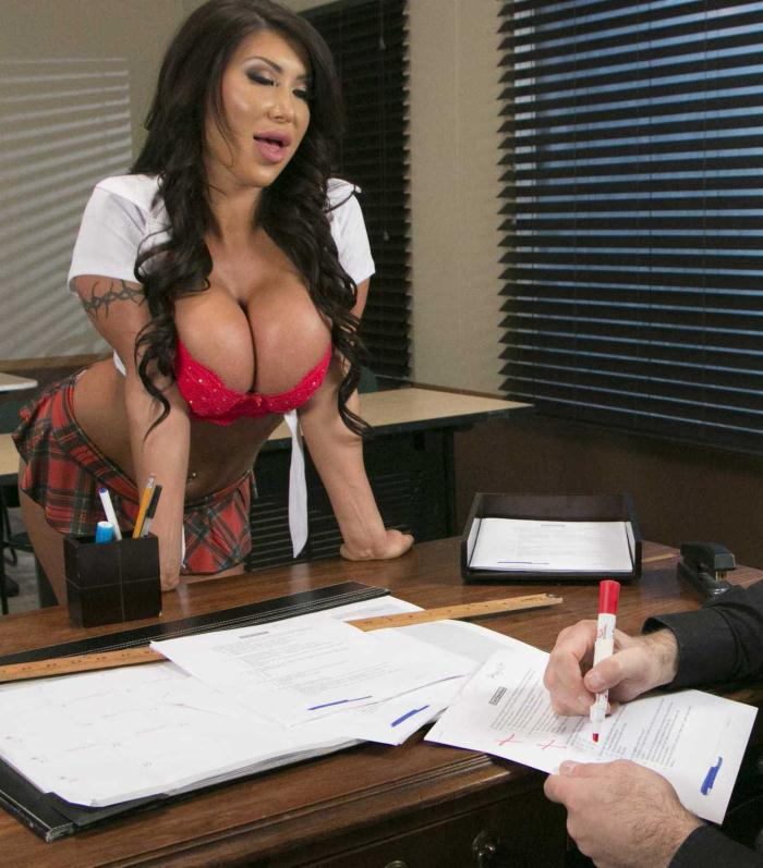 Brazzers: August Taylor - Whats My Grade Again?  [HD 720p]  (Anal)