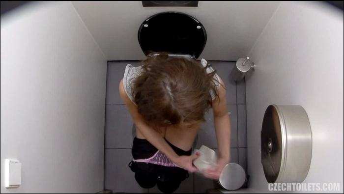 Czechtoilets, Czechav: Amateur - Czech Toilets - 116  [HD 720]  (Pissing)