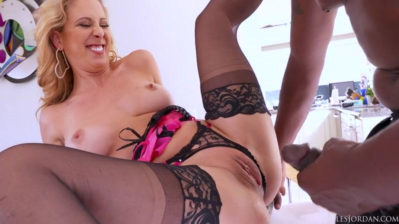 Cherie Deville's Sweet Asshole Gets The Lexington Steele Treatment (Hard Anal Fuck / 06.06.2016) [JulesJordan / SD]