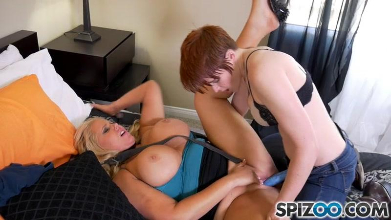 Karen Fisher, Lily Cade - Karen Stepmother Fun [SD] (303 MB)