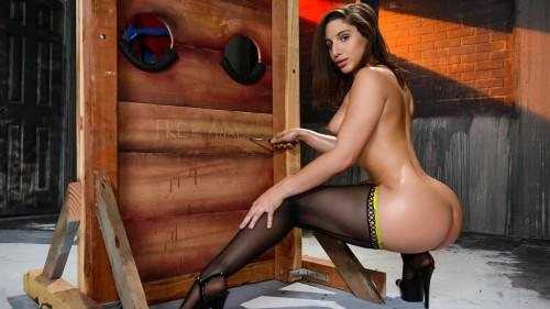 B1gW3tButts.com: Abella Danger - Hard Anal [SD] (266 MB)