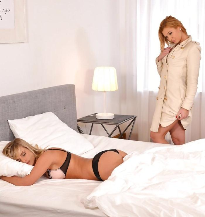 Girls and Girls - Miela, Tracy Lindsay aka Tracy Delicious - Sundays Are For Lovers - Lesbian Lovers Have Bedroom Romp  [HD 720p]