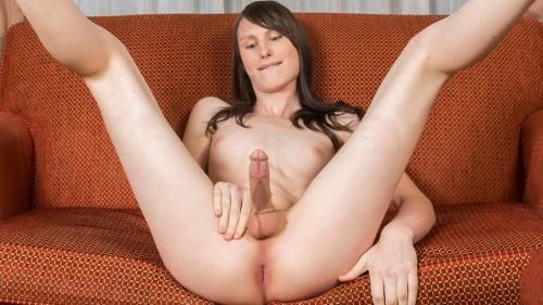Sexy Slim Kinky Kora! (Sh3m4l3Yum) HD 720p
