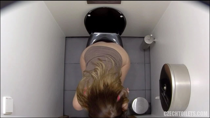 Czechtoilets, Czechav: Amateur - Czech Toilets - 119  [HD 720]  (Pissing)