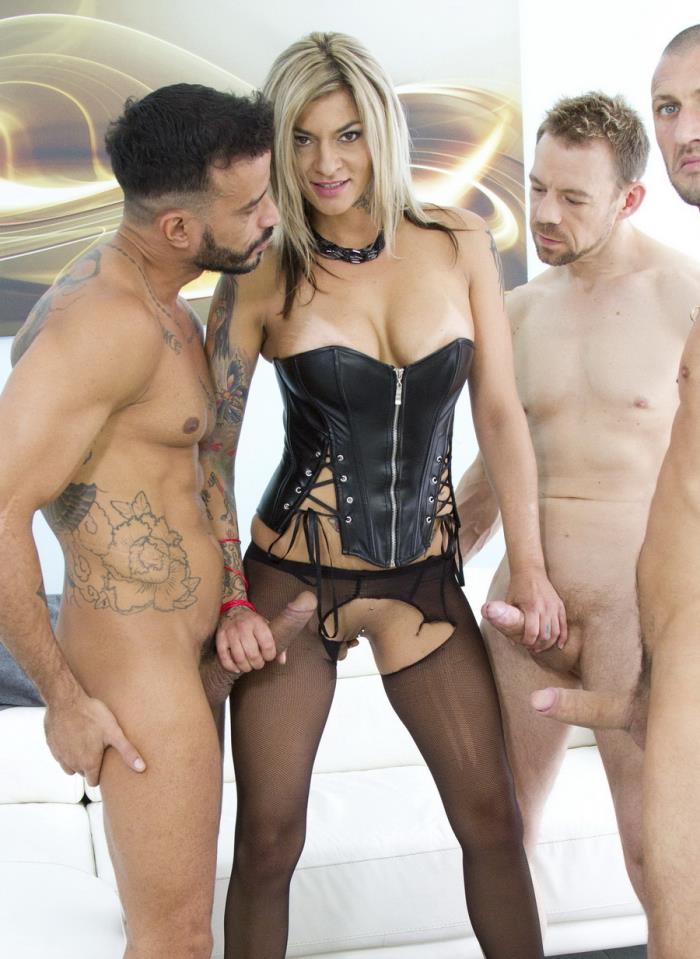 LegalPorno: Klarisa Leone - Sexy Milf Klarisa Leone Double Anal (DAP) With 3 Studs SZ1361  [SD 480p] (995 MiB)